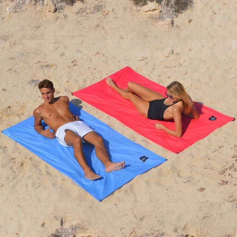 Beach Blanket Date: Beach Blanket Ôbaba SOLO St Barth